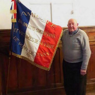 11 novembre 2019 – Remise du drapeau des anciens combattants par Jean-Pierre GAUTHIER à la commune de Sainte-Marie-sur-Ouche